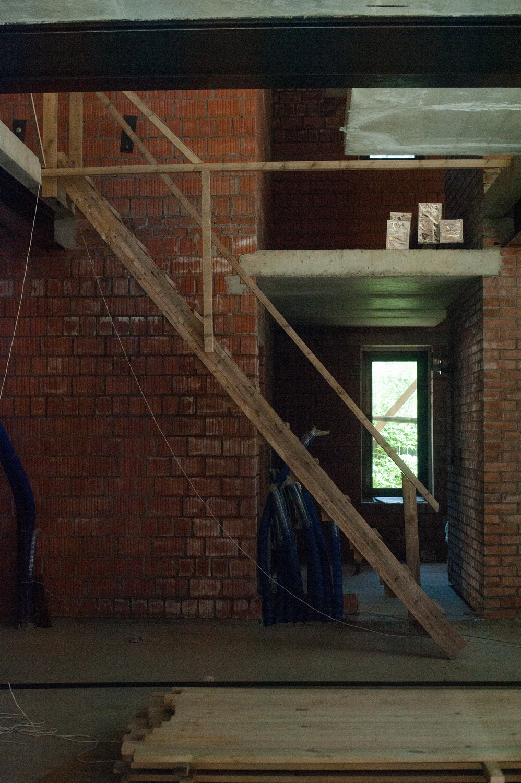 Строительство просторного дома